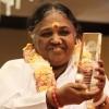 Humanitarian Amma ('The Hugging Saint') receives Golden Goody Award